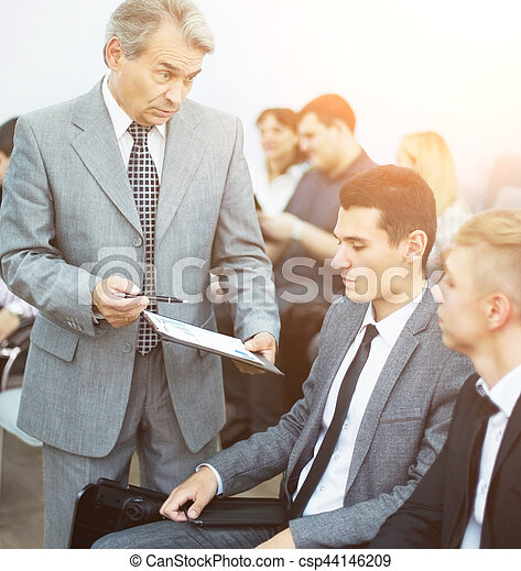 kolega, jeho, business potkat, běžet, -, správce, discussing - csp44146209