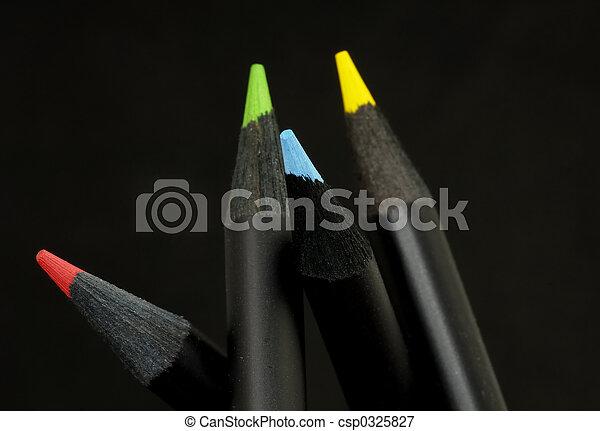 kolor, ołówki - csp0325827