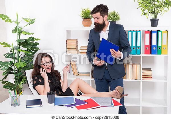 komunikacja, problem., conversation., negotiations., lady., jej, rozmowa telefoniczna, kolega, kobieta, talk., uwaga, szef, telefon, zajęty, głoska., ubiegając, ruchomy, próba, znowu, ważny, addicted, posiadanie - csp72615088