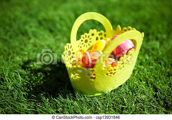 korb, eier, gras, ostern - csp13931846