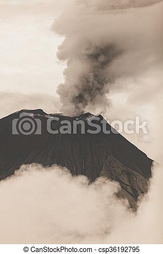 kráter, tungurahua, vulkán - csp36192795