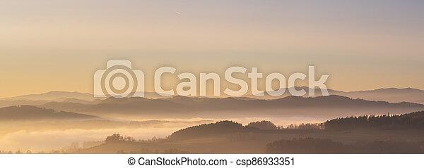 krajina, mlhavý, povstání, západ slunce, hory, čistý, mlha, nebe, mračno - csp86933351