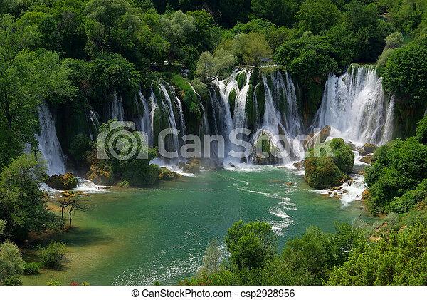 Cascada Kravica 04 - csp2928956