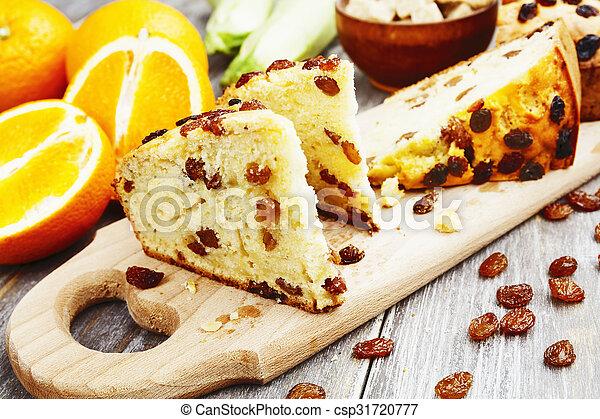 Orange Kuchen Rosinen Zuccini Tisch