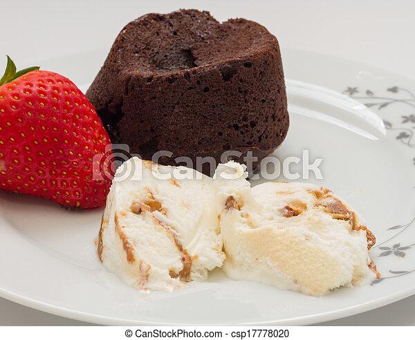 Eis Kakau Sahnig Kuchen Vulkan Strawberries Creme