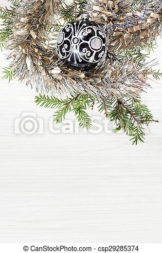 Glas weihnachtsbaum in leer