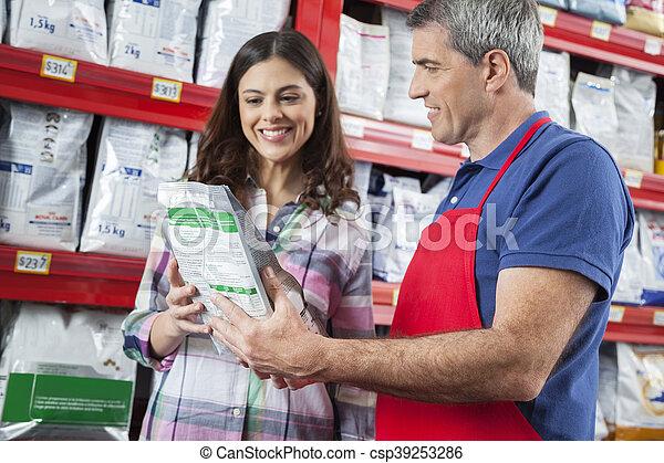 kunde, assistieren, hätscheln speise, wählen, verkäufer, glücklich - csp39253286