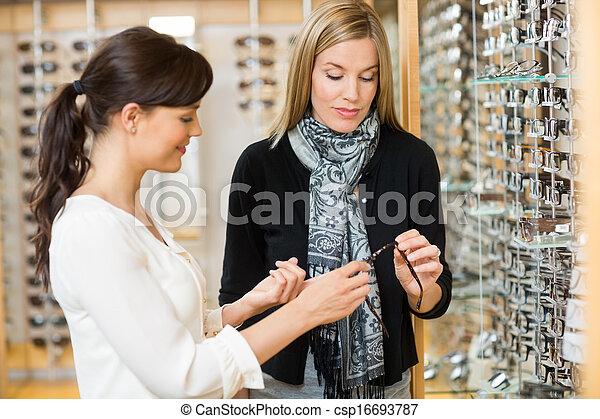 kunde, frau, kaufmannsladen, halten gläsern - csp16693787