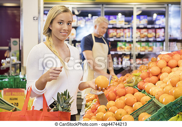 kunde, lebensmittelgeschäft, weibliche , besitz, orange, kaufmannsladen - csp44744213