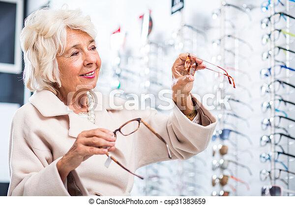 kunde, weibliche , optiker, kaufmannsladen - csp31383659