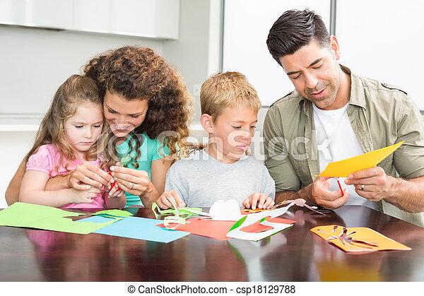 kunsten, gezin, samen, handwerken, tafel, vrolijke  - csp18129788