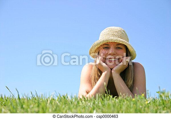 kvinna, gräs - csp0000463