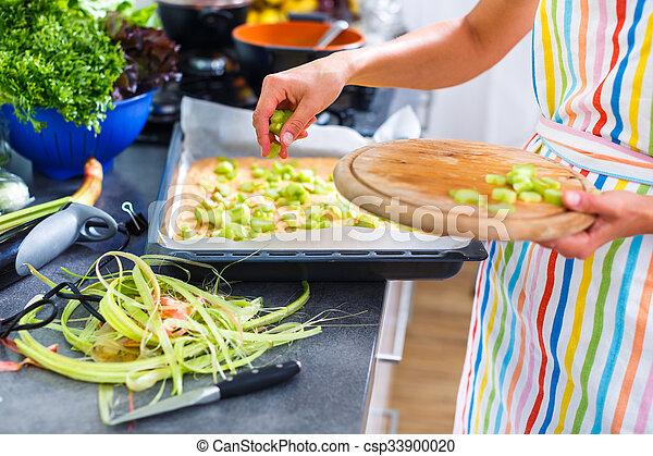 kvinna, henne, nymodig, ung, matlagning, kök - csp33900020