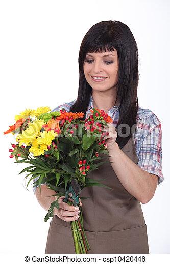 kwiaciarka, bukiet, przygotowując - csp10420448