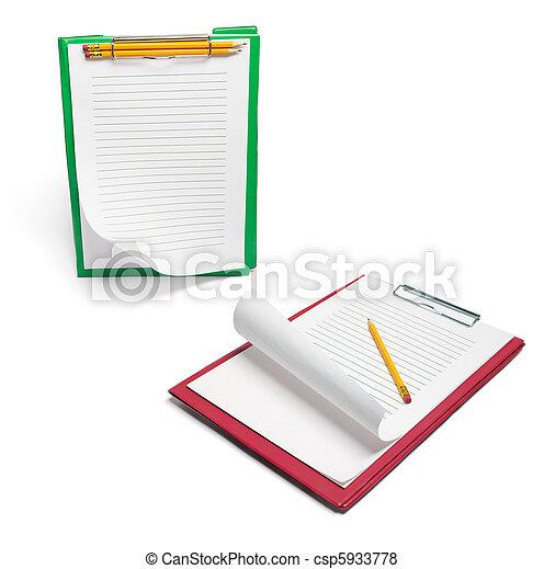 Clipboards con papeles y lápices - csp5933778