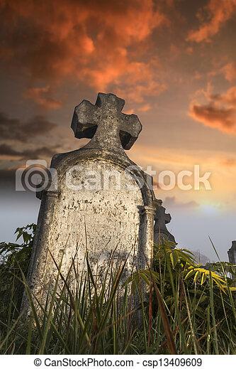 Una lápida frotada - csp13409609