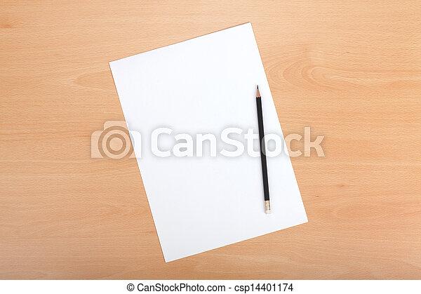 Papel blanco con lápiz - csp14401174