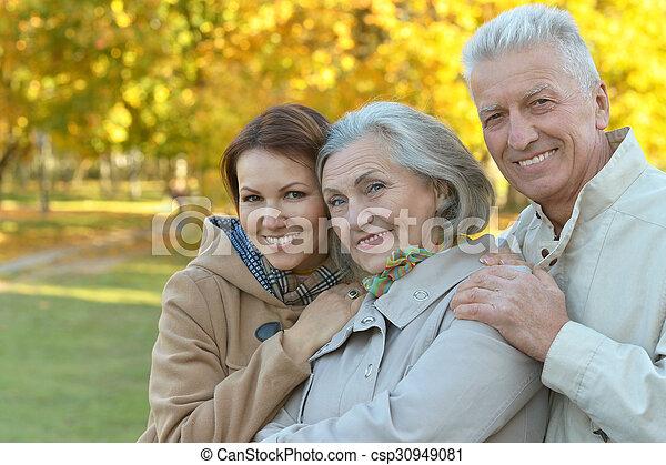 Familie im Park - csp30949081