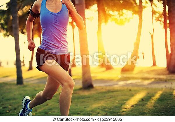 läufer, athlet, rennender  - csp23915065