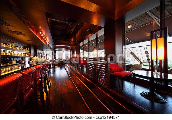 lång, sittplatser, tom, stol, bordläggar, rad, disk, röd barrikadera, mysig, restaurang - csp12194571