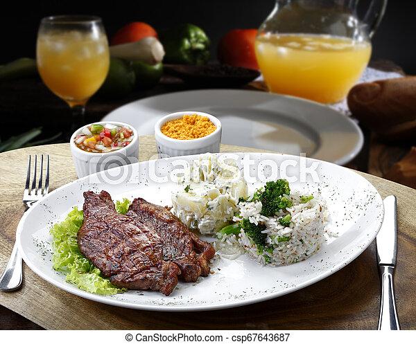légumes, riz, rosbif - csp67643687
