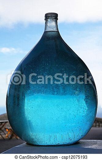 líquido azul - csp12075193