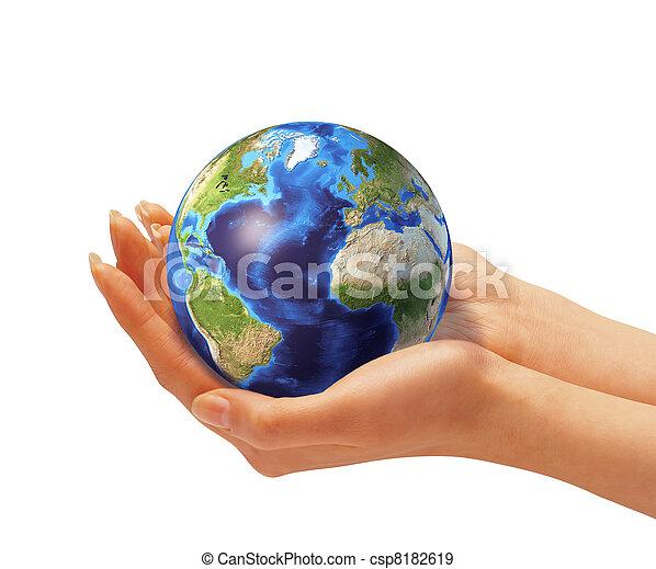 la terre, femme, globe., tenant mains - csp8182619