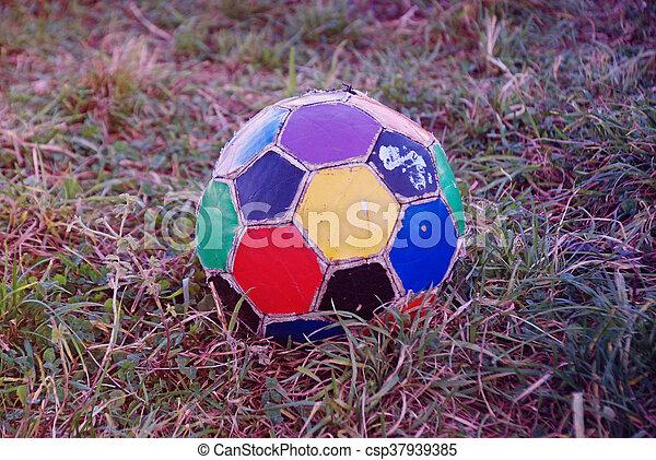 labda, öreg, színes, egyenetlen, futball - csp37939385