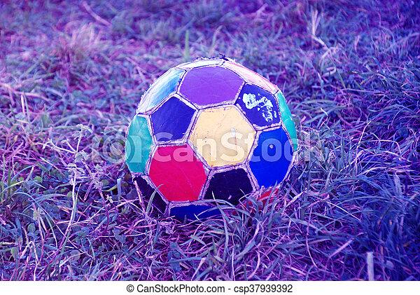 labda, öreg, színes, egyenetlen, futball - csp37939392