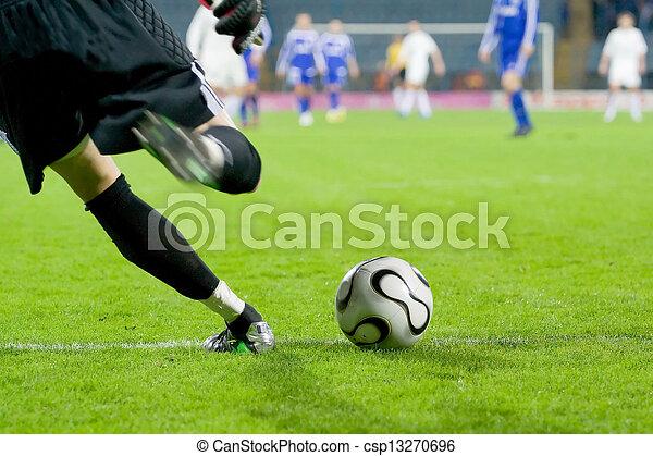labda, labdarúgás, vagy, futball, kapus, megrúg - csp13270696