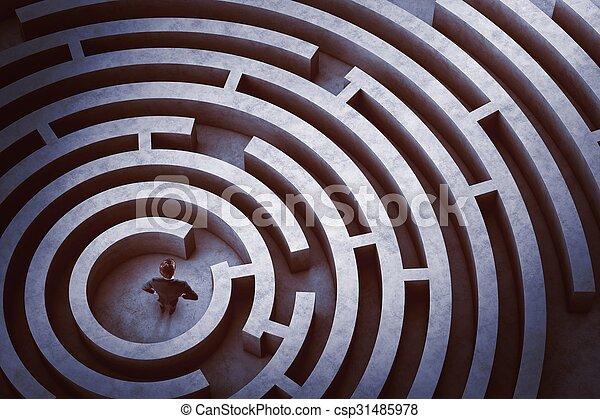 Mitte eines Labyrinths - csp31485978