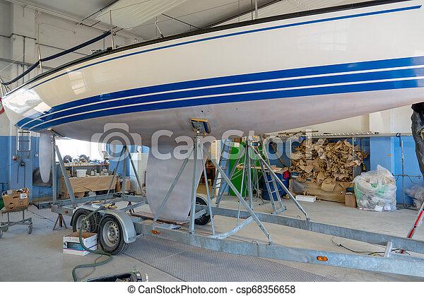 laden, sein, steht, segeln, farbe, repainted, schiff - csp68356658