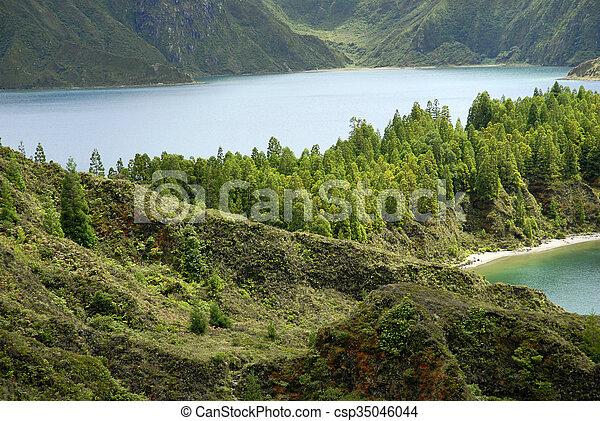 Lagoa do Fogo - csp35046044