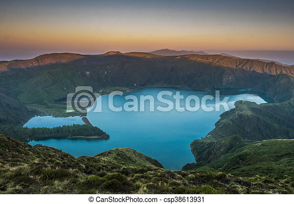 Lagoa do Fogo - csp38613931