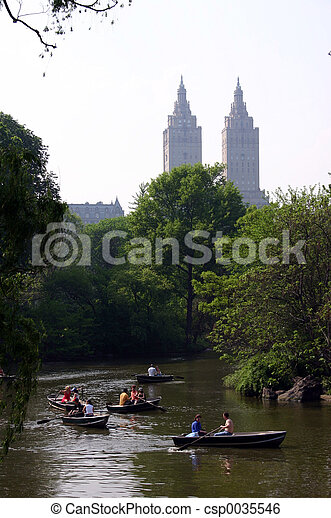 Lake in Central Park - csp0035546