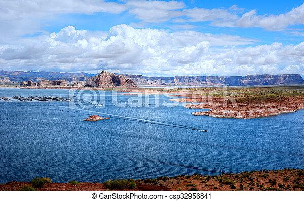 Lake Powell Arizona - csp32956841