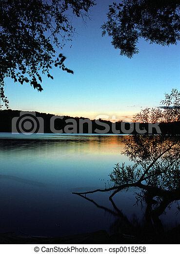 lake sunset 3 - csp0015258