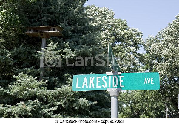 Calle Lakeside en Iowa - csp6952093