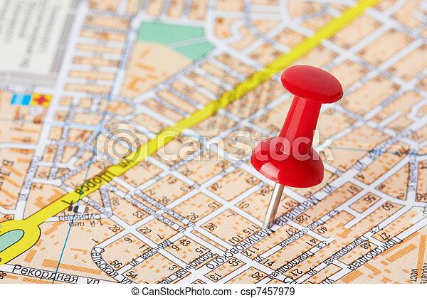 Red Pushpin auf einer Karte - csp7457979