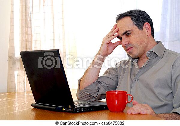 laptop, człowiek - csp0475082