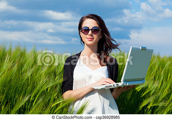laptop, kobieta, młody - csp36928985