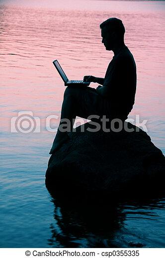 laptop, mann - csp0355335