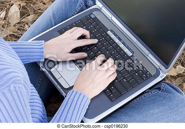 laptopdator - csp0196230