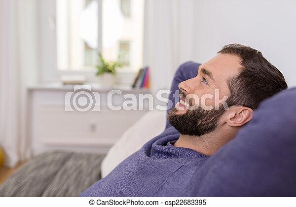lar, daydreaming, relaxar homem, feliz - csp22683395