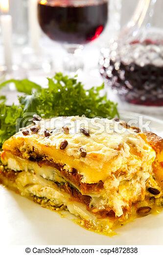 lasanha, vegetariano - csp4872838
