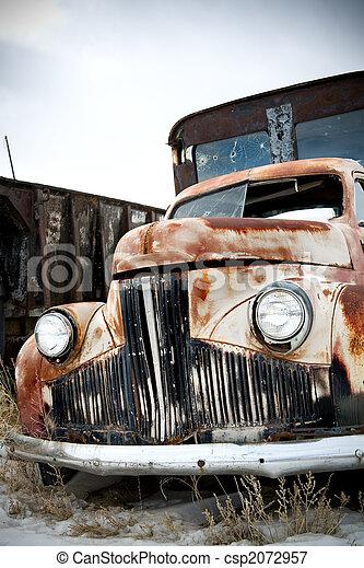 lastbil, övergiven - csp2072957