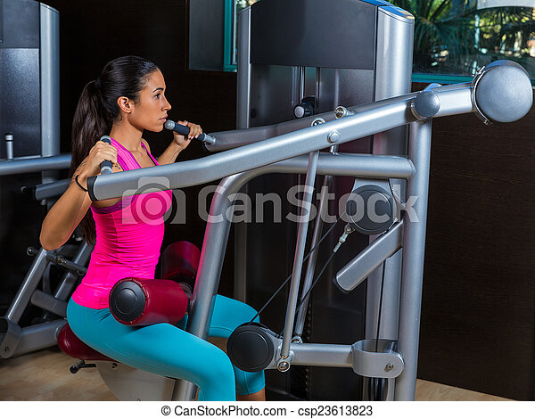 lat lateral dorsal pulldown machine upper back exercises