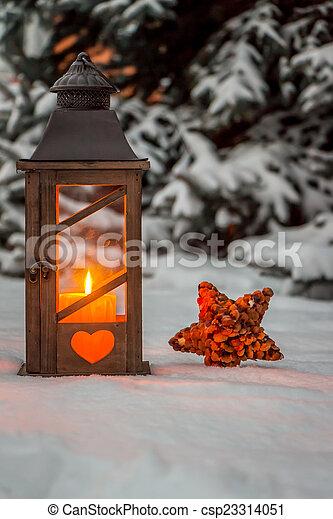 laterne schnee weihnachten winter lampe abend stockbilder suche stockfotos. Black Bedroom Furniture Sets. Home Design Ideas