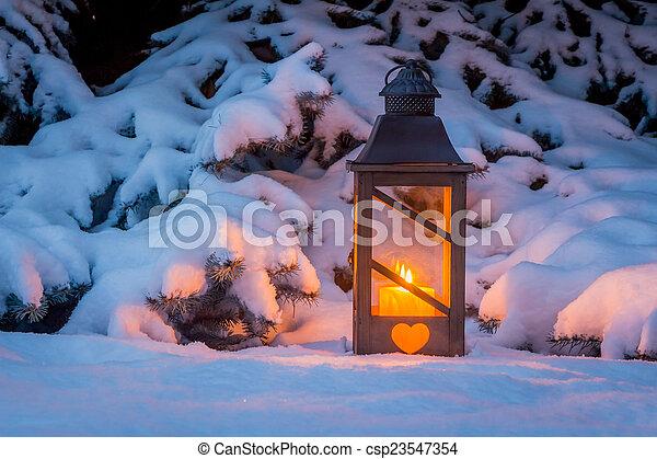 laterne schnee weihnachten winter lampe abend romantische licht frieden ruhig schnee. Black Bedroom Furniture Sets. Home Design Ideas