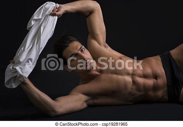 nudo latino modelli